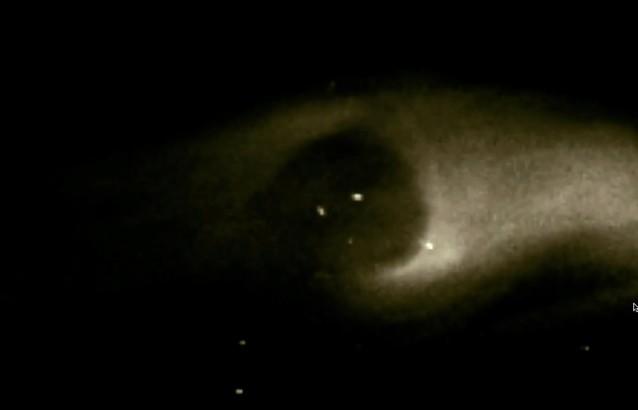 Enormes ovnis escapan del sol durante la eyección de masa coronal
