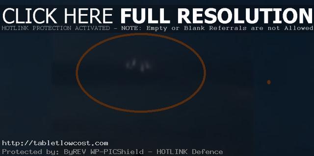 Graban Objeto Extraño Entrando a la Atmósfera Terrestre Fragmentándose en Varios OVNIS