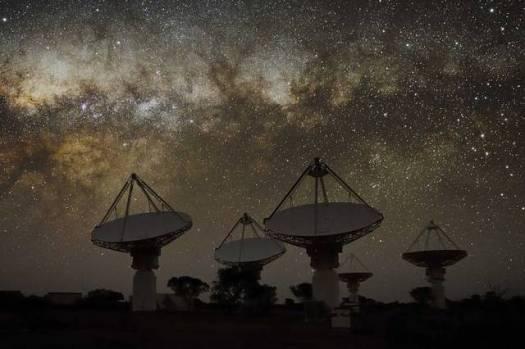 Telescopio en Australia detecta un gran número de señales extraterrestres.
