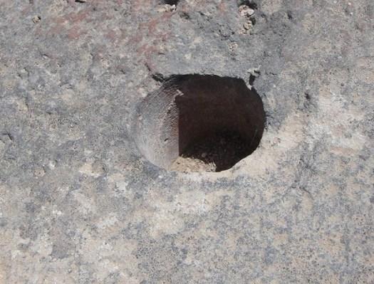 Evidencia de tecnología antigua avanzada: los agujeros misteriosos de Alalia Córcega