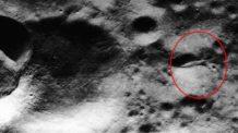 foto de la nasa prueba que la mision apolo 20 fue a investigar una masiva nave extraterrestre en la luna