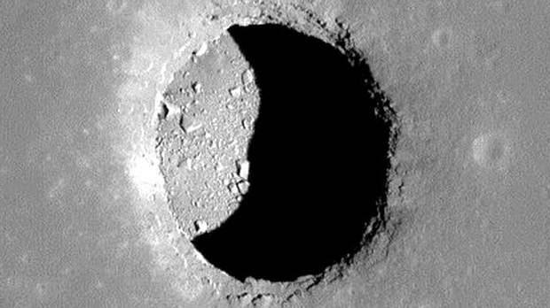 Hombres BAJO la Luna: Los humanos podrían vivir en túneles de lava debajo de la superficie lunar