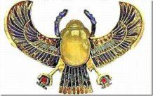 el misterioso collar de tutankamon los egipcios lo llamaban la roca de dios