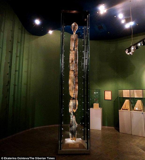 Grabados en ancestral ídolo de madera podrían ser un mensaje para la humanidad