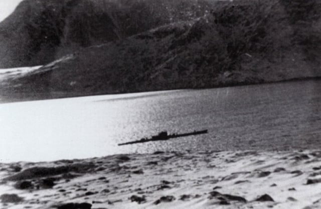 El U-537 en la bahía de Martin, foto realizada desde la ubicación de la estación