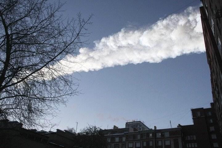 Vitrina que cubre un meteorito ruso levitó misteriosamente y nadie puede explicar el motivo
