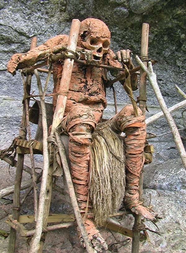 La tribu Kuku Kuku: tiene un ritual un tanto extraño y aterrador.