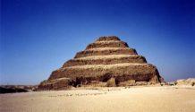 mundo subterraneo de casi 6 kilometros de largo bajo las piramides de egipto