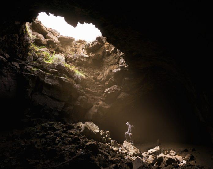 los tuneles secretos de los andes acceso al mundo intraterreno