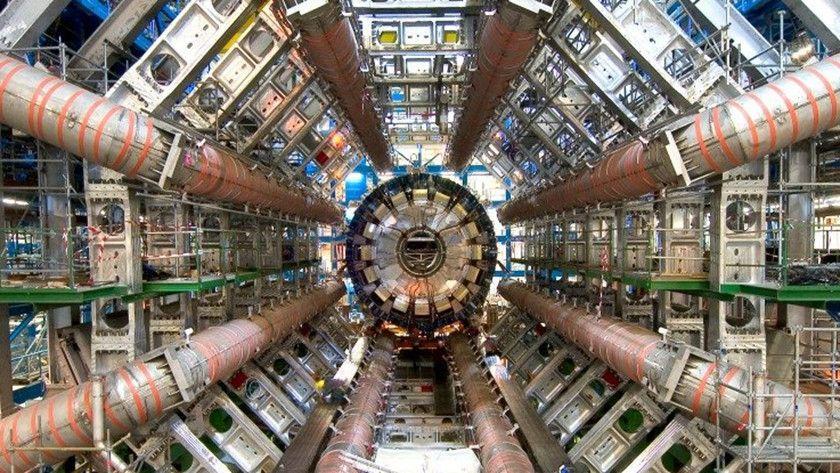Qué pasa si metes la cabeza en un acelerador de partículas ...