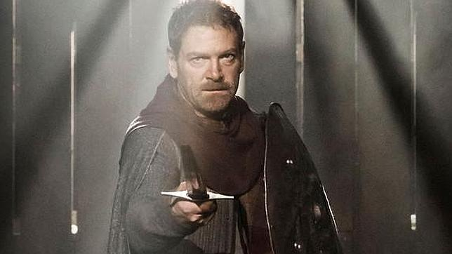 El actor y director británico Kenneth Branagh interpretando al rey escocés Macbeth.
