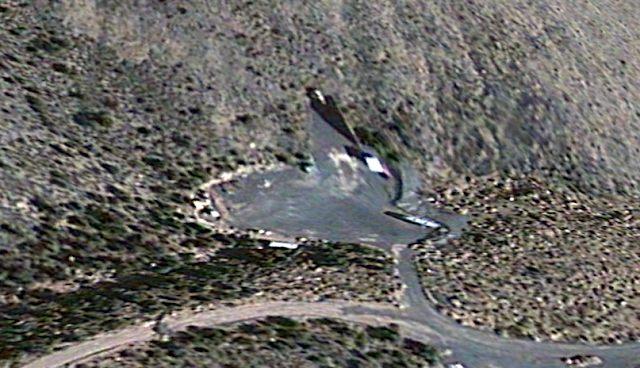 descubren posibles entradas a base subterranea en area 51 en imagenes satelitales