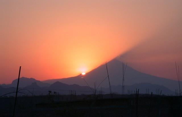extranos sonidos similares a turbina de avion son escuchados en el volcan popocatepetl en mexico video
