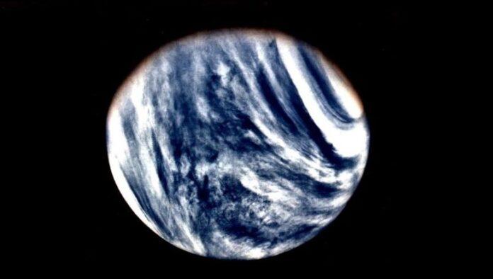 la vida extraterrestre puede sobrevivir en la atmosfera de venus flotando dentro de una biosfera aerea