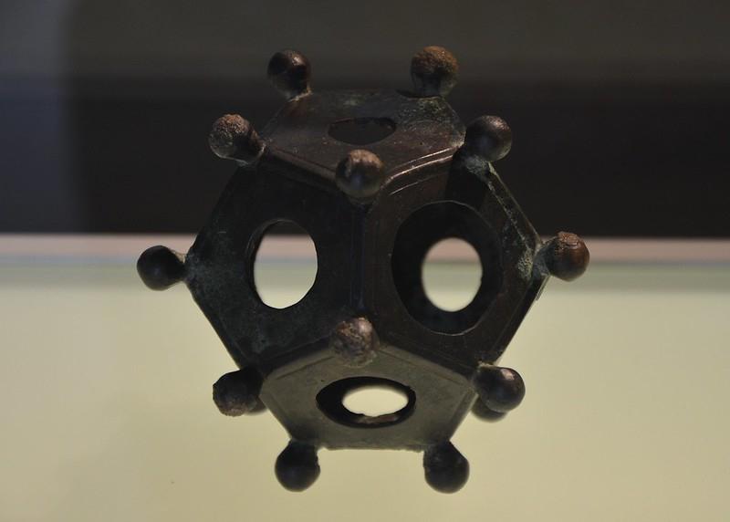 dodecaedro romano para que fue utilizado este misterioso y antiguo artefacto