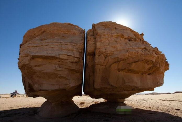 al naslaa la enigmatica roca perfectamente cortada en dos