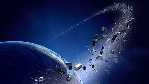 los astronautas rusos encontraron fragmentos de una nave espacial alienigena que exploto en el espacio