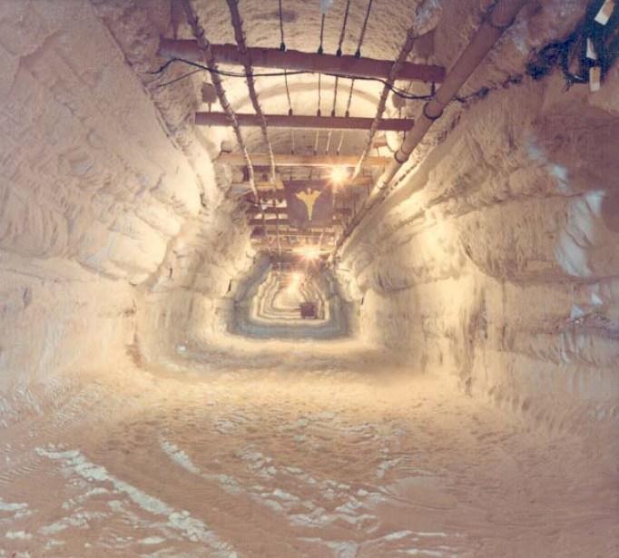 ciudad subterranea en un glaciar tuneles fueron construidos bajo groenlandia video