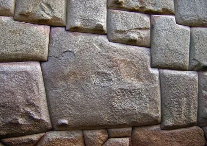 fortaleza ciclopea de sacsayhuaman tecnologia imposible en el antiguo peru