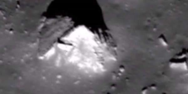 pirámide en la luna 2