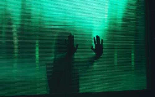 cientificos investigan por que algunas personas pueden escuchar las voces de los muertos