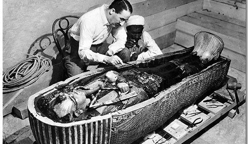el anillo alienigena hallado en la tumba de tutankamon