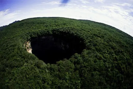 sarisarinama enigmaticos agujeros que conducen a un mundo intraterreno en venezuela