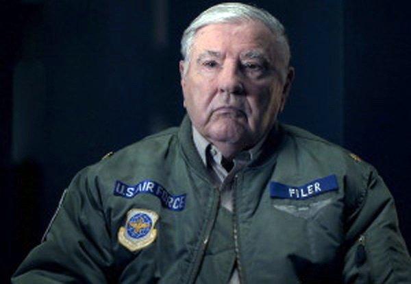 ex comandante de la fuerza aerea de ee uu revela encuentros con ovnis