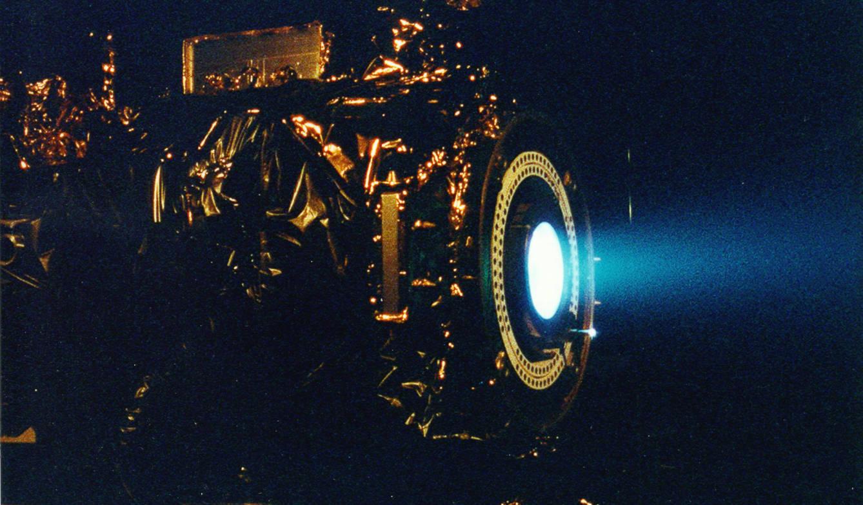 El motor de iones de la NASA no sirve para misiones tripuladas en el sistema solar. (NASA/JPL)