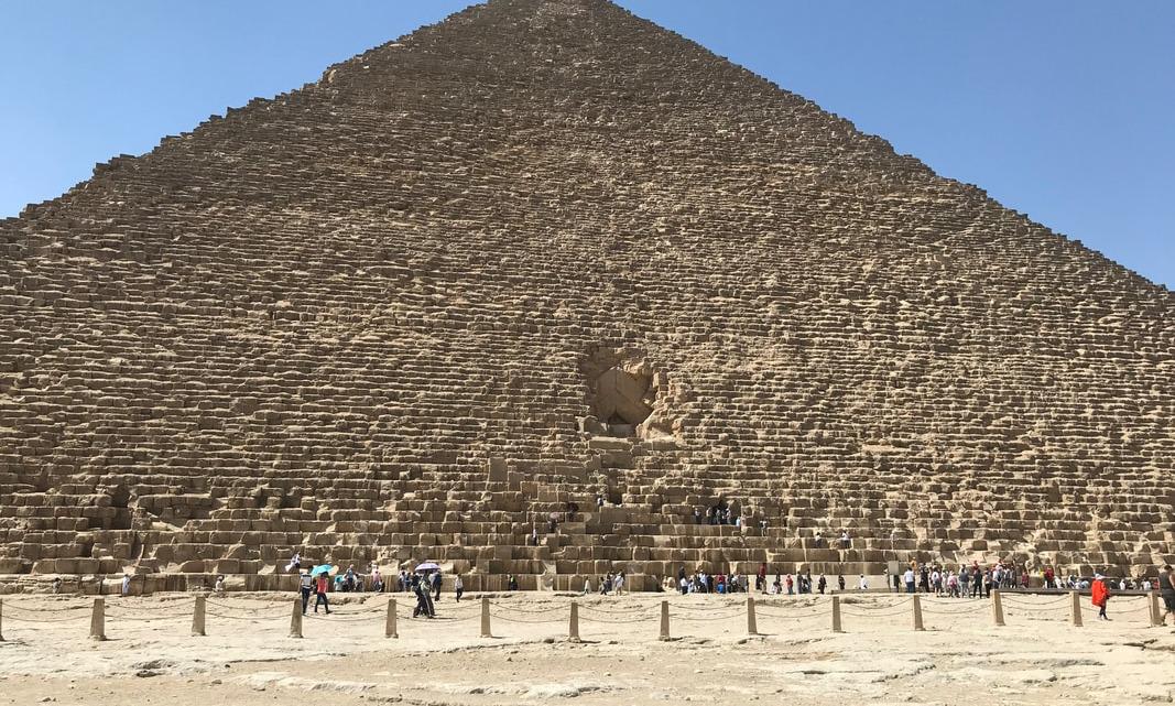 ¿Sucedió una detonación en la Gran Pirámide de Egipto en el pasado remoto?