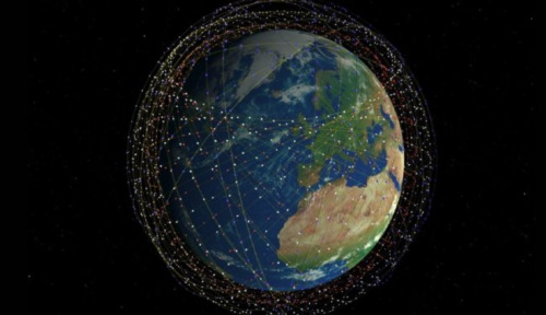 ¿Podría la red de satélites de Elon Musk llamar alienigenas a la Tierra?