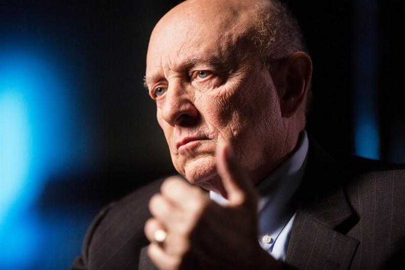 Ex jefe de la CIA: «espero que la sociedad sea amigable con los alienigenas si en algún momento hacen contacto»