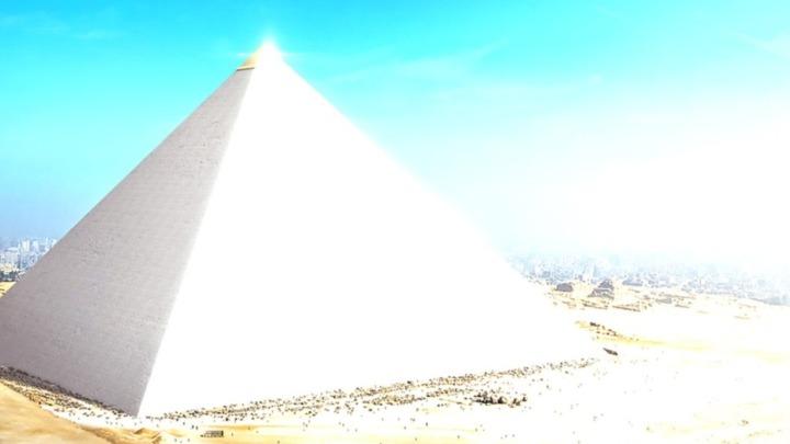 ¿Produjeron las pirámides egipcias reflejos que iluminaron diferentes zonas sagrados?