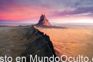 El Enigma Y Las Mitos Del Divino Navajo Shiprock