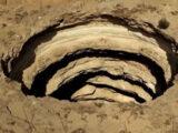 pozo del infierno de yemen el misterioso agujero natural que desborda de leyendas